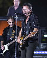 Nils Lofgren, Bruce Springsteen - MTV Video Music Awards 2002 - American Museum of Natural History
