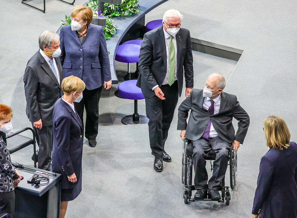 Secretary General of the United Nations, António Guterres (2-L), German Chancellor Angela Merkel (3-L), German Federal President Frank-Walter Steinmeier (3-R) and President of the Bundestag Wolfgang Schäuble (2-R) make their way out of the Bundestag in Berlin, Germany, December 18, 2020. Guterres was invited as an honorary guest on the occasion of  the founding of the United Nations 75 years ago. <br /> (Photo by Omer Messinger)
