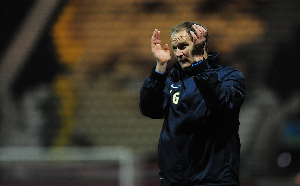 Preston North End manager Simon Grayson applauds the fans at the end of the game<br /> <br /> Photographer Chris Vaughan/CameraSport<br /> <br /> Football - The Football League Sky Bet League One - Preston North End v Walsall - Tuesday 24th February 2015 - Deepdale - Preston<br /> <br /> © CameraSport - 43 Linden Ave. Countesthorpe. Leicester. England. LE8 5PG - Tel: +44 (0) 116 277 4147 - admin@camerasport.com - www.camerasport.com