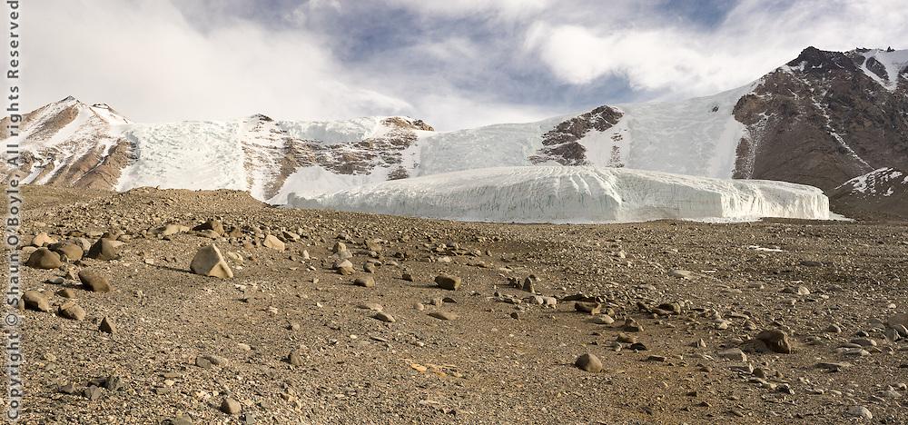 After dinner hike toward the Hughes Glacier