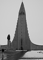 Leif Erickson statue in front of the Cathedral in Reykjavik. Image taken with a Leica X2 camera (ISO 100, 24 mm, f/5, 1/250 sec).