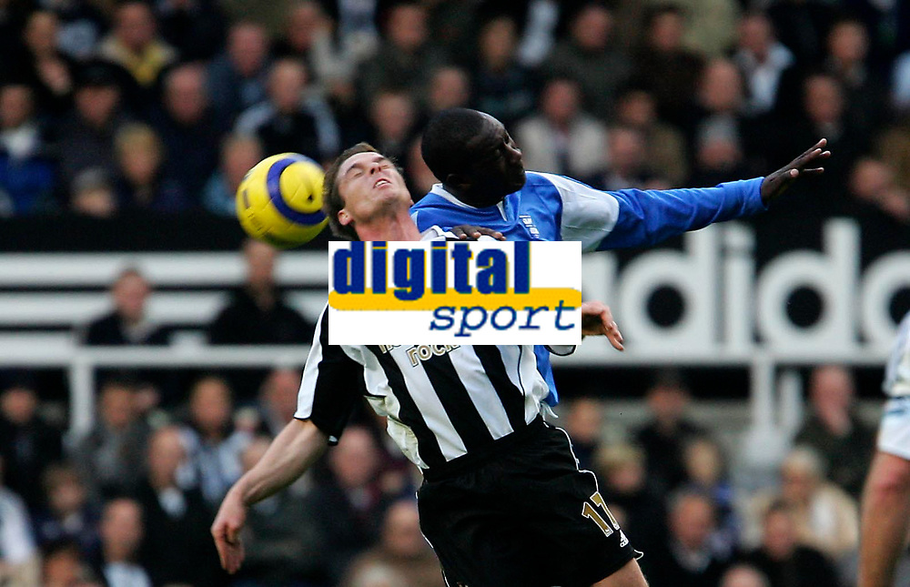 Photo: Andrew Unwin.<br />Newcastle Utd v Birmingham City. The Barclays Premiership. 05/11/2005.<br />Birmingham's Emile Heskey (R) clatters into Newcastle's Scott Parker (L).