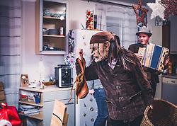 THEMENBILD - der Lotter, während eines traditionellen Hausbesuchs der Nikoaus und Krampusgruppe Frieden, aufgenommen am 04. Dezember 2018 in Lienz, Österreich // Home visit from Krampus and Saint Nicholas. Krampus a mythical creature that, according to legend, accompanies Saint Nicholas during the festive season. Instead of giving gifts to good children, he punishes the bad ones, Lienz, Austria on 2018/12/04. EXPA Pictures © 2018, PhotoCredit: EXPA/ JFK