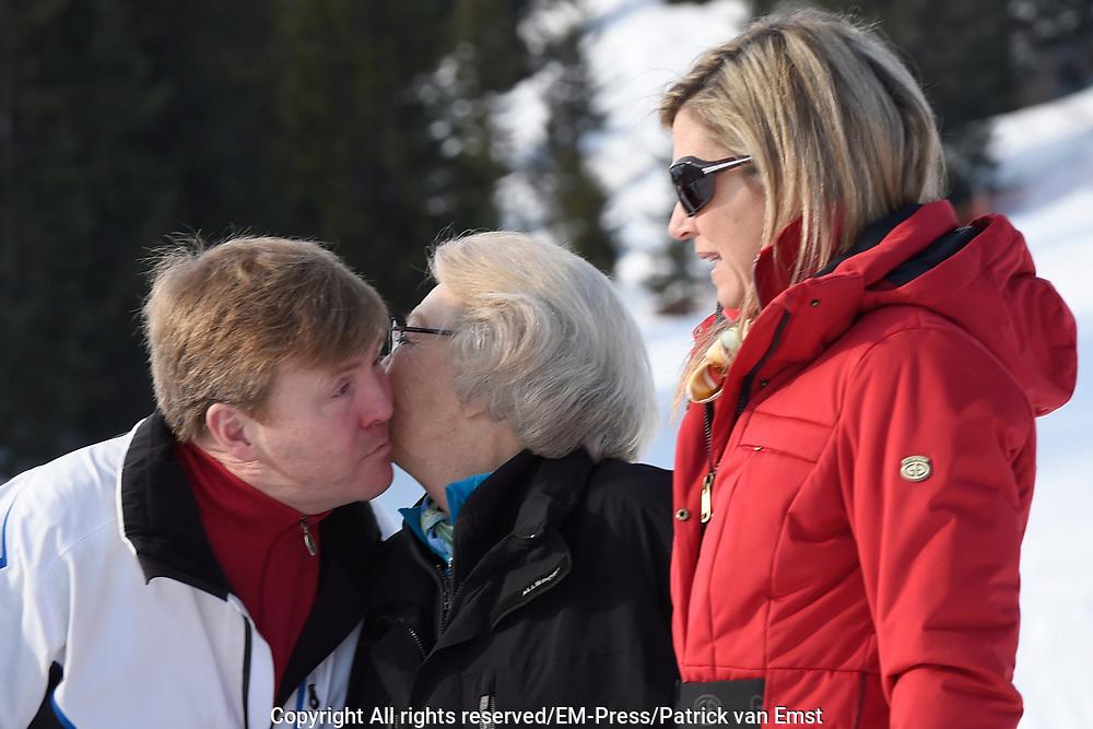 Fotosessie met de koninklijke familie in Lech /// Photoshoot with the Dutch royal family in Lech .<br /> <br /> Op de foto/ On the photo: Koningin Maxima met  Prinses Beatrix en Koning Willem Alexander