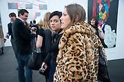 LILY ALLEN; JESSICA DRAPER, Opening of Frieze 2009. Regent's Park. London. 14 October 2009 *** Local Caption *** -DO NOT ARCHIVE-© Copyright Photograph by Dafydd Jones. 248 Clapham Rd. London SW9 0PZ. Tel 0207 820 0771. www.dafjones.com.<br /> LILY ALLEN; JESSICA DRAPER, Opening of Frieze 2009. Regent's Park. London. 14 October 2009
