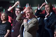 Jubileumuitzending van NOS Met het Oog op Morgen, ter ere van de 40e verjaardag van het radioprogramma in TivoliVredenburg in Utrecht. <br /> <br /> Op de foto:  Frits Spits -  Frits Ritmeester