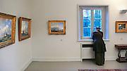 Duitsland, Kleef, 10-12-2011In huis Koekkoek, het huis van de nederlandse schilder uit de Romantiek BC Koekkoek, vindt een tentoonstelling plaats van schilderijen uit de collectie van Jef Rademakers. De verzameling is beroemd geworden door een expositie in de hermitage in St. Petersburg. Veel schilderijen zijn van de schilder Barend Cornelis Koekkoek die leefde van 1803 tot 1862 en stierf in Kleef.Foto: Flip Franssen/Hollandse Hoogte