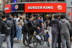 © Licensed to London News Pictures. 31/08/2020. London, UK. Members of the public queue outside Burger King restaurant in central London as the government's Eat Out to Help Out scheme comes to an end today. Eat Out to Help Out was introduced by the Chancellor RISHI SUNAK to help boost  pubs and restaurants following the easing of COVID-19 lockdown. Under the scheme, restaurants offered customers half price food and soft drinks on Mondays, Tuesdays and Wednesdays during August and recouped the cash, up to a maximum of £10, from the government. Photo credit: Dinendra Haria/LNP