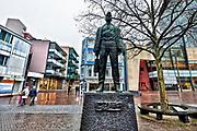 Nederland, Kerkrade, 2-2-2018Stadscentrum, op de markt het standbeeld van de mijnwerker .Foto: Flip Franssen