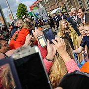 NLD/Tilburg/20170427- Koningsdag 2017, Koning Willem Alexander met zijn dochters Amalia, Alexia, Ariane