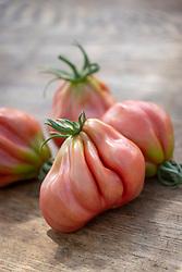 Heirloom tomato 'Tlacolula Pink'