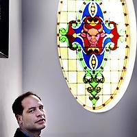 Nederland, Amsterdam , 15 mei 2014.<br /> Simon kuper, schrijver van voetbalboeken en met name over AFC Ajax.<br /> Foto:Jean-Pierre Jans