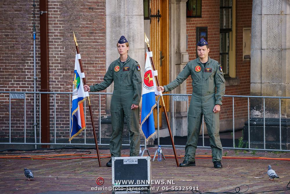 NLD/Den Haag/20180831 - Koninklijke Willems orde voor vlieger Roy de Ruiter, vlaggen van het helicopter onderdeel