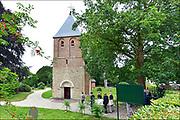 Nederland, Beek, 10-8-2015Uitvaart, begrafenis in oud en monumentaal hervormd kerkje een dorp.Foto: Flip Franssen