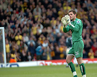 Photo: Tony Oudot.<br /> Watford v Newcastle United. The Barclays Premiership. 13/05/2007.<br /> Ben Foster of Watford applauds the fans as he leaves the field in his last game for the club