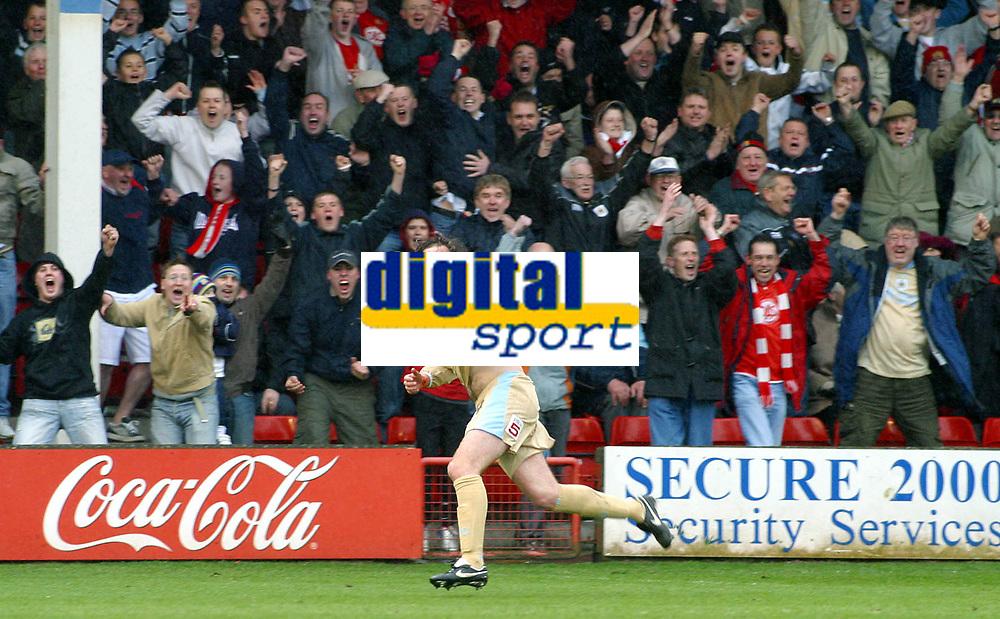 Photo: Dave Linney.<br />Walsall v Bristol City. Coca Cola League 1. 08/04/2006.<br />Bristol's Richard Keogh makes it 3-0