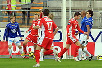 Fotball <br /> Tippeligaen<br /> 05.04.2010 <br /> Molde v Brann<br /> Aker stadion<br /> Peter vaagan moen - brann<br /> Erik Huseklepp - brann<br /> Foto:Richard brevik Digitalsport