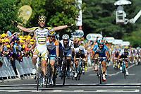 Sykkel<br /> Tour de France<br /> Foto: DPPI/Digitalsport<br /> NORWAY ONLY<br /> <br /> CYCLING - TOUR DE FRANCE 2009 - BRIGNOLES (FRA) - 05/07/2009<br /> <br /> STAGE 2 - MONACO > BRIGNOLES - MARK CAVENDISH (GBR) / TEAM COLUMBIA / WINNER - TYLER FARRAR (USA) / GARMIN-SLIPSTREAM / 2ND - ROMAIN FEILLU (FRA) / AGRITUBEL / 3DR