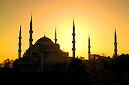 Istanbul, Turkey, October 2005. The Blue mosque in sultanahmet. Autumn falls over the dynamic city of Istanbul, former capital of the Ottoman empire. Photo by Frits Meyst/Adventure4ever.com