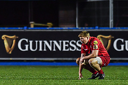 Scarlets' James Davies takes a breather - Mandatory by-line: Craig Thomas/Replay images - 31/12/2017 - RUGBY - Cardiff Arms Park - Cardiff , Wales - Blues v Scarlets - Guinness Pro 14