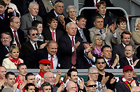 Photo: Jed Wee/Sportsbeat Images.<br /> Liverpool v Arsenal. The Barclays Premiership. 31/03/2007.<br /> <br /> Liverpool's new joint owner George Gillett (C) leads a standing ovation for Liverpool captain Steven Gerrard after he is substituted.