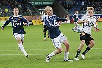 Fotball , 18. oktober 2009 , tippeligaen , Viking Stadion ,   Viking v Rosenborg , Jone Samuelsen (l) , Viking , Jørgen Horn (m) , Viking , Per Ciljan Skjelbred (r) , Rosenborg ,  Foto: Tommy Ellingsen