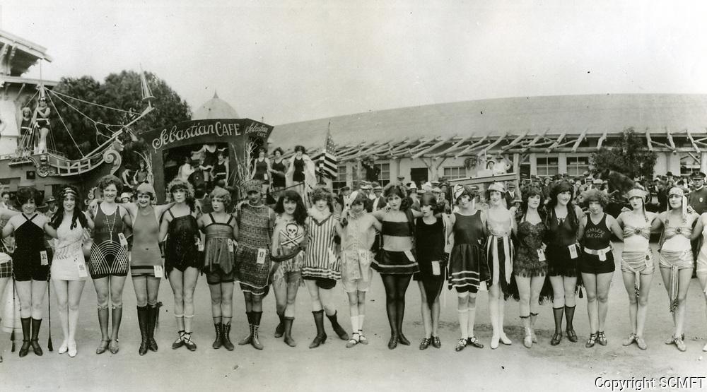 1922 Bathing Beauties in Hollywood