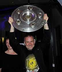 14.05.2011, U-Haus, Dortmund, GER, 1.FBL, Borussia Dortmund Meisterbankett im Bild Schauspieler Joachim KROL mit Meisterschale, //   German 1.Liga Football ,  Borussia Dortmund Championscelebration, Dortmund, 14/05/2011 . EXPA Pictures © 2011, PhotoCredit: EXPA/ nph/  Conny Kurth       ****** out of GER / SWE / CRO  / BEL ******