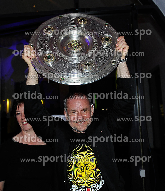 14.05.2011, U-Haus, Dortmund, GER, 1.FBL, Borussia Dortmund Meisterbankett im Bild Schauspieler Joachim KROL mit Meisterschale, //   German 1.Liga Football ,  Borussia Dortmund Championscelebration, Dortmund, 14/05/2011 . EXPA Pictures © 2011, PhotoCredit: EXPA/ nph/  Conny Kurth       ****** out of GER / SWE / CRO  / BEL ******