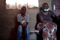 May 2, 2020, Alexandra, Johannesburg, South Africa: Phumlani's (17) fight against HIV and tubercolosis is hardened by the starvation caused by the lockdown. (Credit Image: © Manash Das/ZUMA Wire)