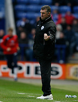 Photo: Steve Bond/Richard Lane Photography. Leicester City v Crystal Palace. E.ON FA Cup Third Round. 03/01/2009. Nigel Pearson instructs from the touchline