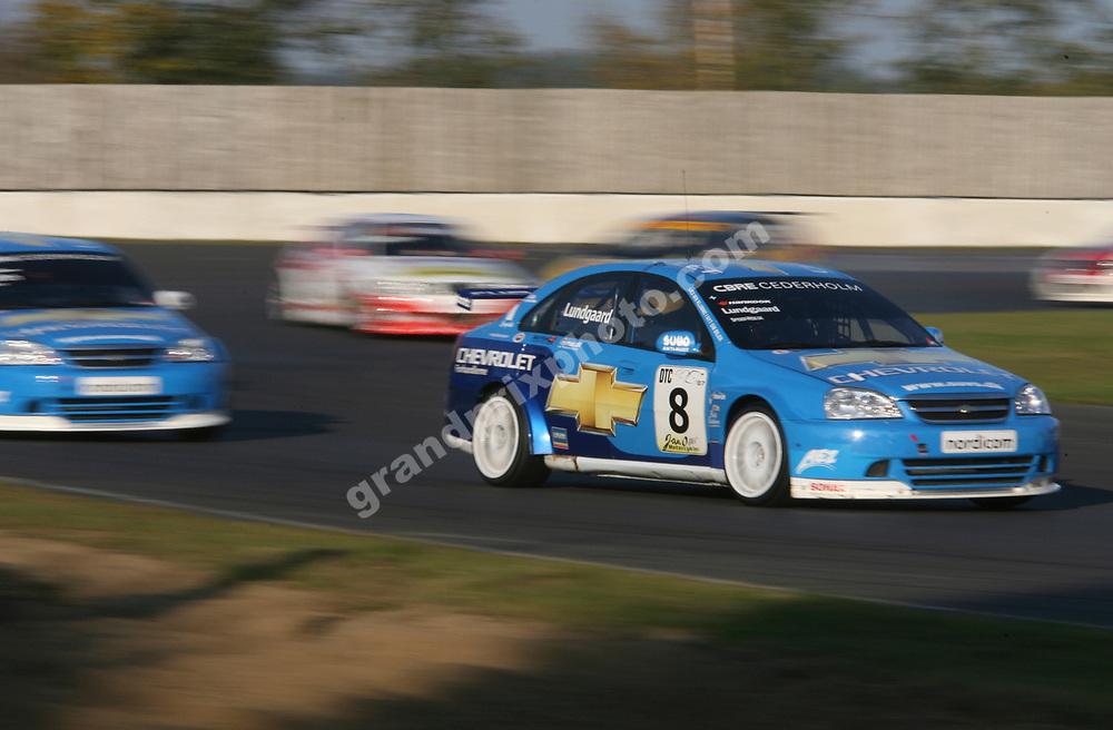 Henrik Lundgaard leads Chevrolet team-mate Pontus Morth in the 2007 DTC finals at Jyllands-Ringen. Photo: Grand Prix Photo