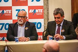 """PORTO ALEGRE, RS, BRASIL, 15-03-2018, 20h26'31"""":  O empresário Rubens Rebés e o advogado Tomaz Schuch são os novos dirigentes do AVANTE, no RS. A posse da direção estadual do partido contou com a presença do Deputado Federal e presidente nacional, Luís Tibê (MG), e ocorreu na noite de quinta-feira (15/3) no Hotel Intercity. AVANTE é um partido político brasileiro, fundado como Partido Trabalhista do Brasil (PTdoB) por dissidentes do Partido Trabalhista Brasileiro (PTB), em 1989. Seu número eleitoral é o 70. O novo nome, criado a partir do desejo das pessoas que lutam por um país que segue em frente, se aproxima ainda mais dos verdadeiros objetivos do partido, alicerçado ao longo de sua história e atrelado aos novos pilares: compromisso, prosperidade, humanidade, coletividade, diálogo, transparência e liberdade. (Foto: Gustavo Roth / Agência Preview) © 15MAR18 Agência Preview - Banco de Imagens"""