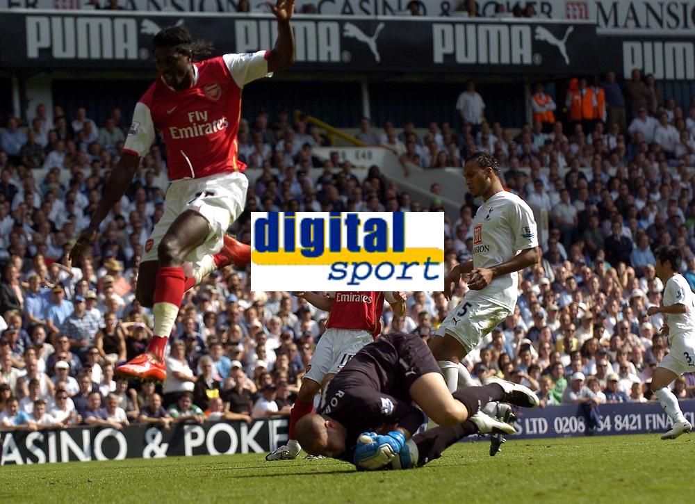 Photo: Olly Greenwood.<br />Tottenham Hotspur v Arsenal. The FA Barclays Premiership. 15/09/2007. Paul Robinson gets to the ball before Emmanuel Adebayor
