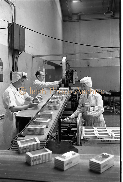 09/08/1962<br /> 08/09/1962<br /> 09 August 1961<br /> Boland's Bakery feature, interiors of Bolands factory, Grand Canal Street, Dublin. View of the packaging line.