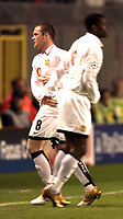 Fotball<br /> UEFA Champions League<br /> Foto: SBI/Digitalsport<br /> NORWAY ONLY<br /> <br /> Sparta Praha v Manchester United<br /> 19/10/2004.<br /> <br /> Wayne Rooney is subsituted and replaced by Louis Saha