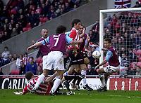 Photo. Glyn Thomas.<br /> <br /> Sunderland v West Ham United.<br /> <br /> Nationwide Division 1.<br /> <br /> Stadium of Light, Sunderland. 13/03/2004.<br /> <br /> Sunderland's Kevin Kyle (L) puts his side a goal in front.