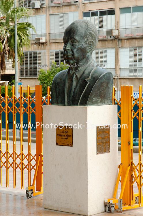 Israel, Tel Aviv, A statue  of Yitzhak Rabin, Israeli prime minster, at the entrance to Tel Aviv City hall near the spot where he was shot on November 4th 1995