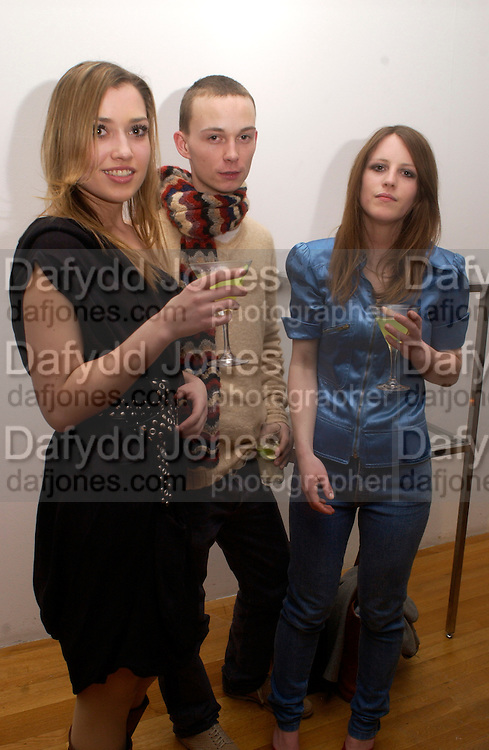 Alexandra Bolshakova, Tim Clifton-Green and Suzanne Bierne, Visionaire 42 Scent, Royal College of Art, 15 April 2004. ONE TIME USE ONLY - DO NOT ARCHIVE  © Copyright Photograph by Dafydd Jones 66 Stockwell Park Rd. London SW9 0DA Tel 020 7733 0108 www.dafjones.com