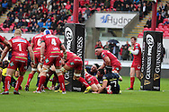 James Cronin on Munster scores his teams 1st try. Guinness Pro12 rugby match, Scarlets v Munster at the Parc y Scarlets in Llanelli, West Wales on Saturday 3rd September 2016.<br /> pic by  Andrew Orchard, Andrew Orchard sports photography.