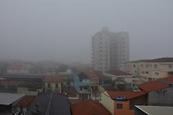 July 5, 2018 - SãO Paulo, Brazil - SÃO PAULO, SP - 05.07.2018: FORTE NEVOEIRO NESTA MANHÃ EM SÃO PAULO - Strong fog on Thursday morning, (5) in Sao Paulo. (Credit Image: © Roberto Casimiro/Fotoarena via ZUMA Press)