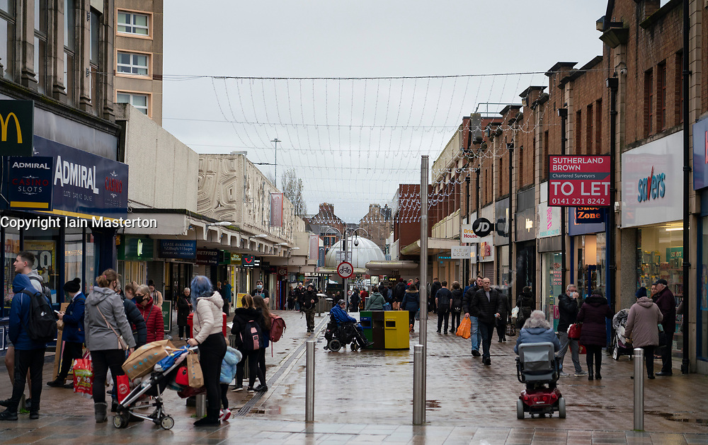 Motherwell, Scotland, UK. 1 November 2020. The Scottish Government today announced that from Friday 20 November, the most severe level 4 lockdown will be introduced in eleven Scottish council areas. This means non essential shops will close and bars, restaurants and cafes. Pictured; General view of Motherwell Shopping Centre arcade.    Iain Masterton/Alamy Live News
