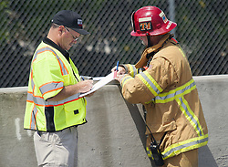 June 30, 2017 - Irvine, CA, USA - The investigation continues after a small plane crashes on I-405 freeway at MacArthur in Irvine, CA, missing the runway at John Wayne Airport, injuries are unknown Friday, June 30, 2017. (Credit Image: © Ken Steinhardt/The Orange County Register via ZUMA Wire)