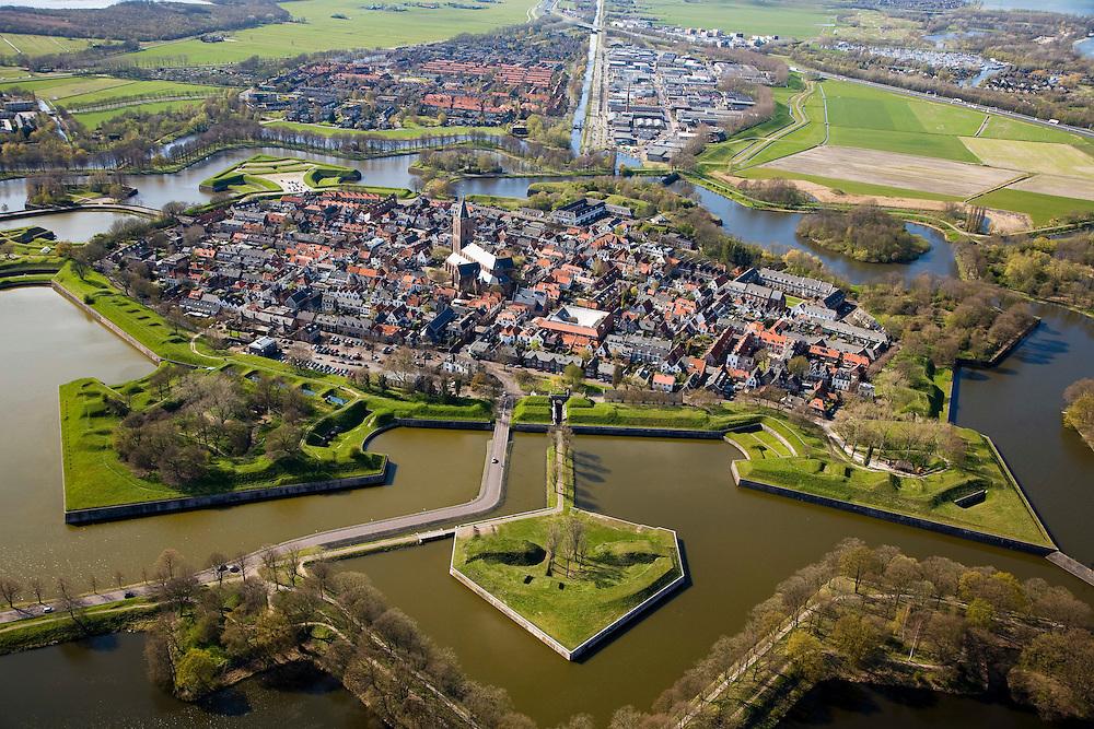 Nederland, Noord-Holland, Naarden, 16-04-2008; Naarden-vesting; bastion, verdedigingswerken, vestingstad, Naarden vesting..luchtfoto (toeslag); aerial photo (additional fee required); .foto Siebe Swart / photo Siebe Swart.