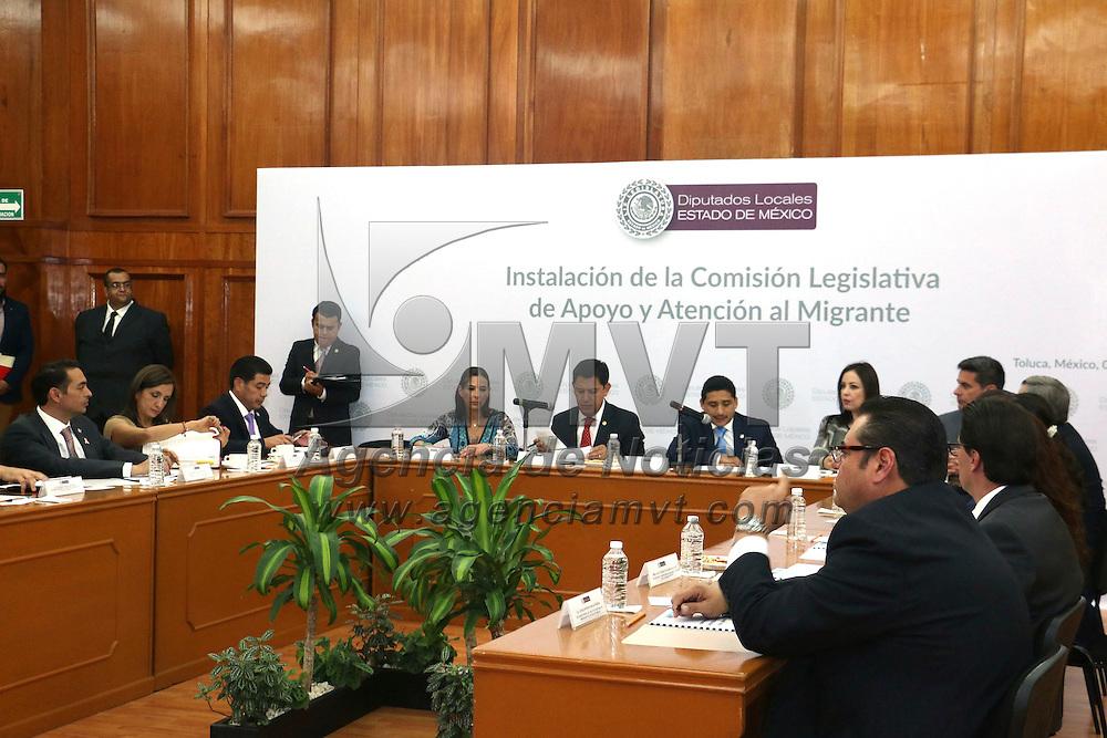 Toluca, Méx.- Se instala en la Cámara de Diputados la comisión Legislativa de Apoyo y Atención al Migrante, donde los diputados se comprometieron a atender las diferentes demandas de migración que han llegado a esta legislatura. Agencia MVT / José Hernández