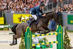 MUFF Werner (SUI), Jolie v. Molenhof<br /> Genf - CHI Geneve Rolex Grand Slam 2019<br /> Rolex Grand Prix<br /> Internationale Springprüfung mit Stechen<br /> International Jumping Competition 1m60<br /> Grand Prix Against the Clock with Jump-Off<br /> 15. Dezember 2019<br /> © www.sportfotos-lafrentz.de/Stefan Lafrentz