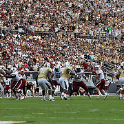 DUPLICATE***South Carolina Gamecocks quarterback Dylan Thompson (17) searches for a receiver during an NCAA football game between the South Carolina Gamecocks and the Central Florida Knights at Bright House Networks Stadium on Saturday, September 28, 2013 in Orlando, Florida. (AP Photo/Alex Menendez)