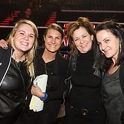 NLD/Hilversum /20131213 - Halve finale The Voice of Holland 2013, iris van der Ende en Henny Kortland met collega's