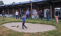 BUNNIK - GolfStart , een programma van de NGF, voor beginnende golfers , op Golfbaan Kromme Rijn, olv PGA professional Chantalle Lens. .COPYRIGHT KOEN SUYK