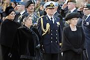 Nationale dodenherdenking op de Dam in Amsterdam .<br /> <br /> Op de foto:<br /> <br />  o.a. Koningin Beatrix, prins Willem-Alexander , prinses Maxima en Mark Rutte